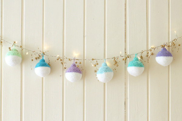 600px-wink-crochet-christmas-ornaments-finished1-fullsize
