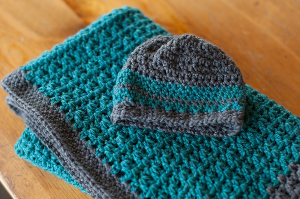 The Firefly Hook Baby blanket and hat-05